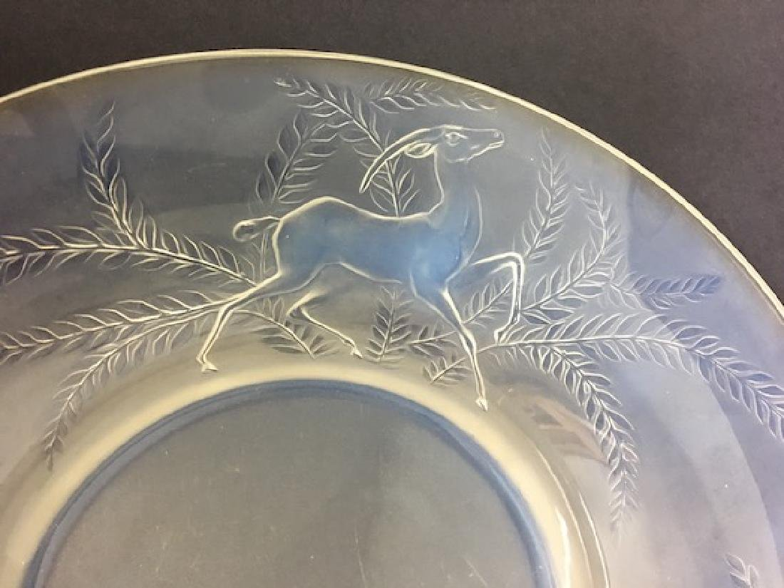 R. Lalique bowl with three large deer around the edge. - 3