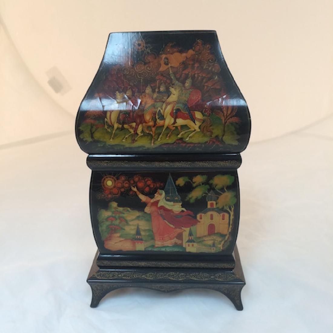 Russian paper mache box. - 3
