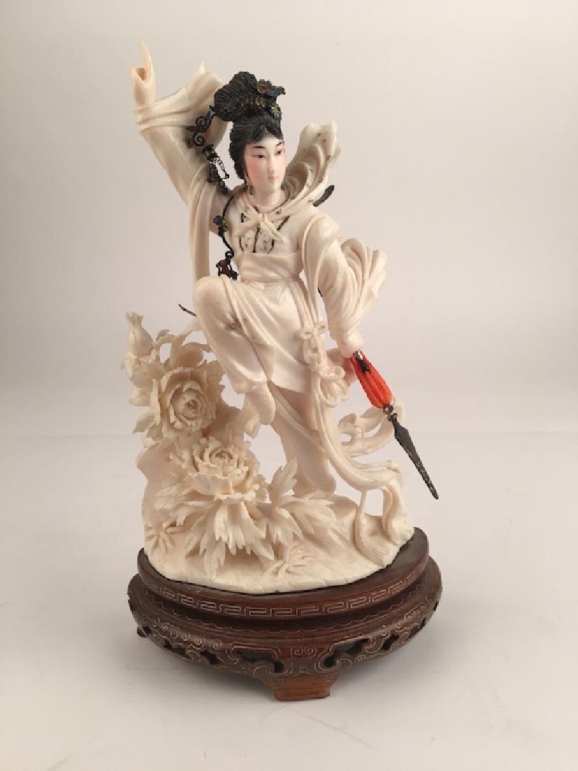 Republic of China period figurine of a Geisha