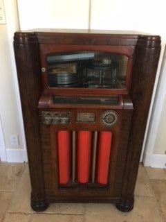 Circa 1933 Wurlitzer 16 record juke box.