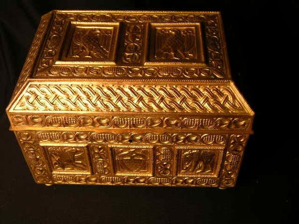 3130: FRENCH GILDED BRONZE BOX, ONCE OWNED BY MARQUISED