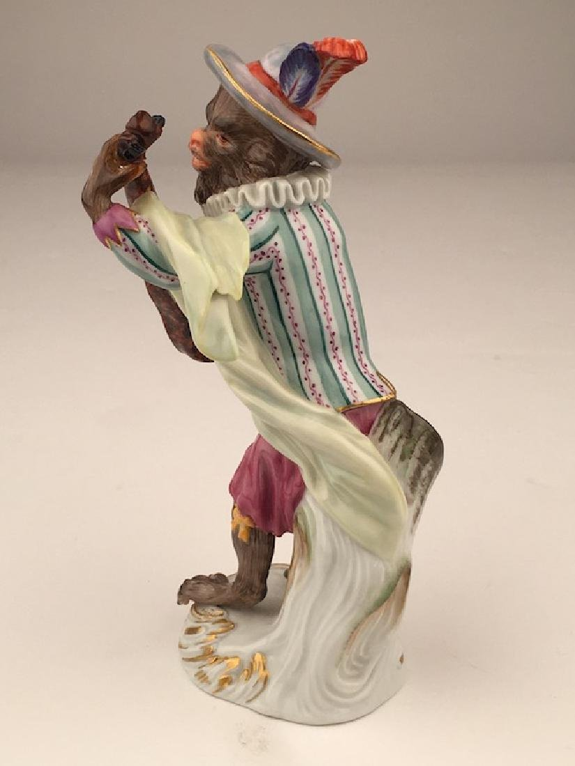Meissen porcelain monkey  band member playing a guitar. - 4