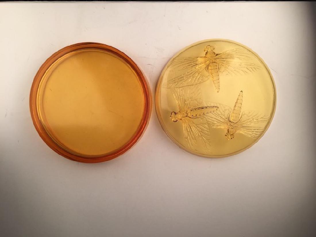 "R. Lalique ""Libellules"" powder box in an golden amber - 7"