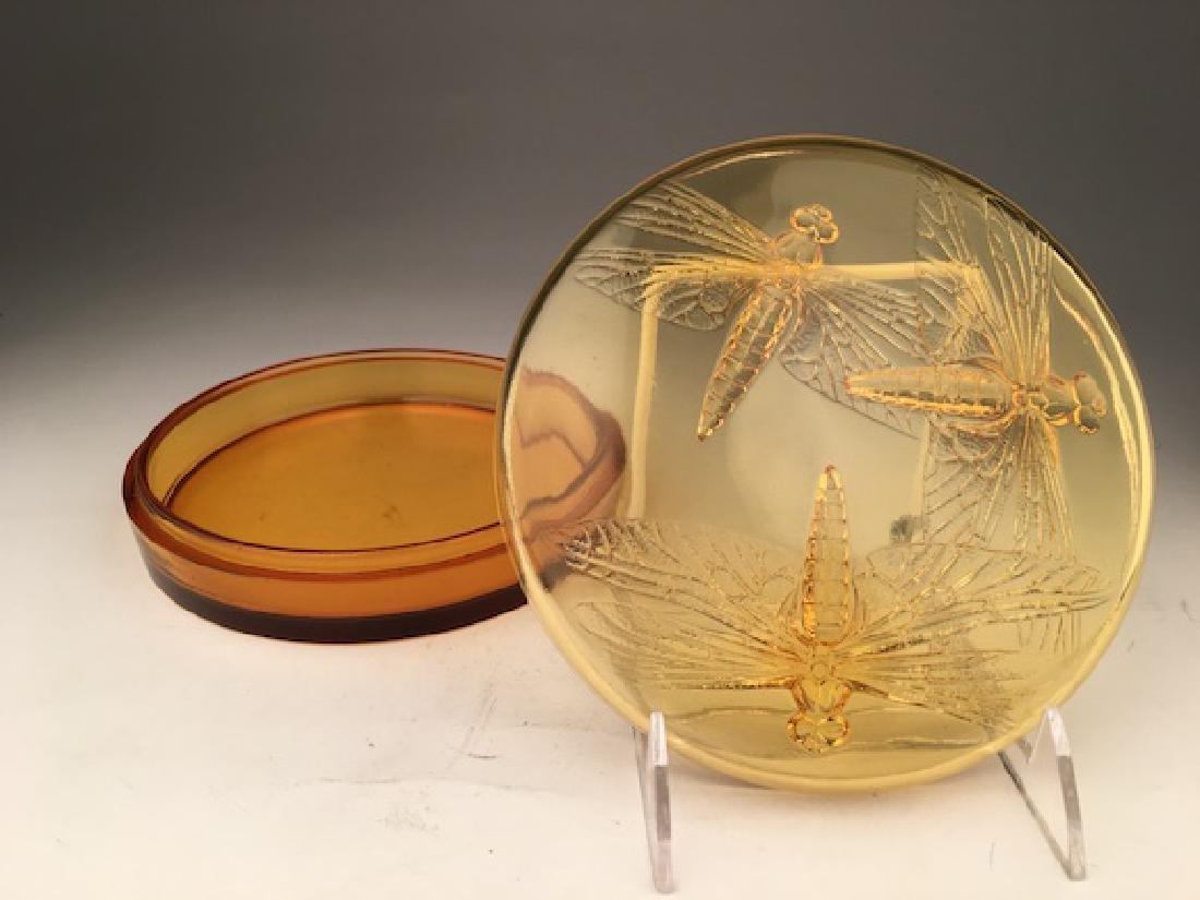 "R. Lalique ""Libellules"" powder box in an golden amber - 8"