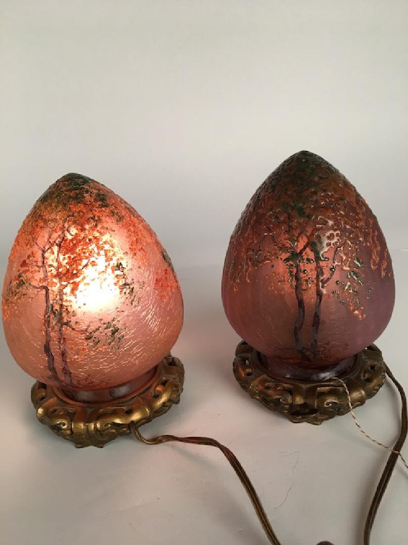 Pair of Handle egg shapped lamps. - 2