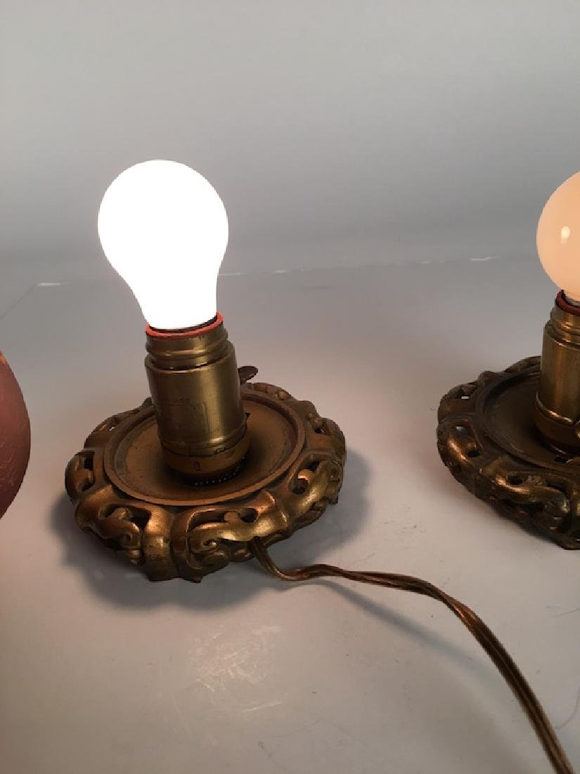 Pair of Handle egg shapped lamps. - 7