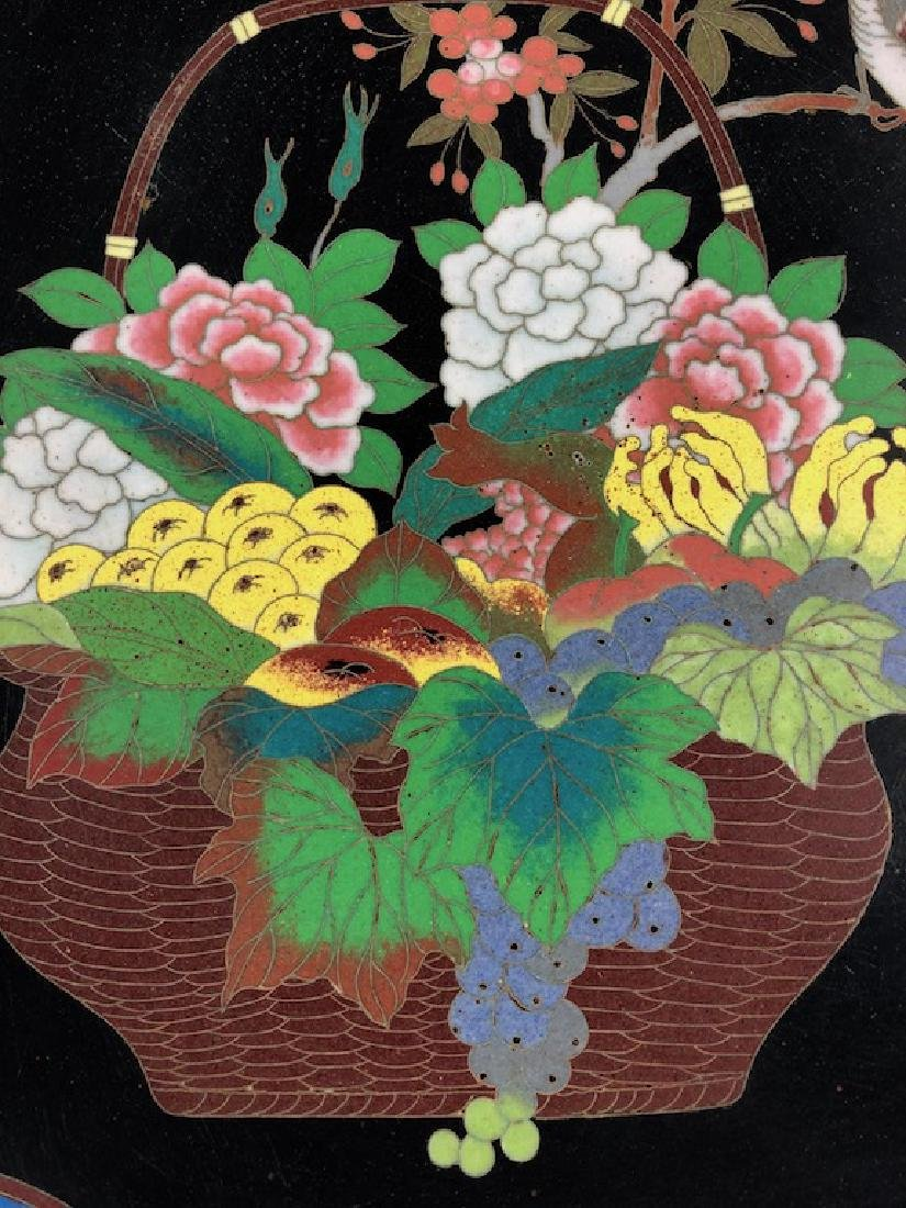 Japanese cloisonne plate decorated with a large basket - 2