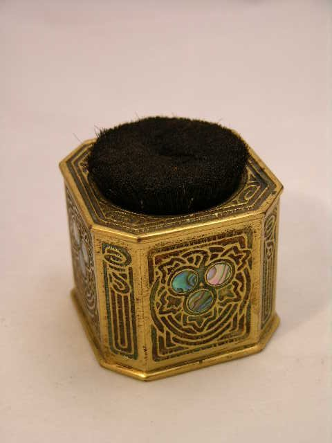 "2: 2: TIFFANY STUDIOS GOLD DORE PEN WIPE IN THE ""ABALON"