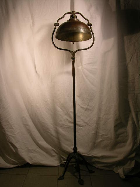 11: 11: TIFFANY STUDIOS BRONZE FLOOR LAMP AND SHADE