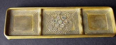 14: 14: TIFFANY STUDIOS PEN TRAY IN THE ABALONE PATTERN