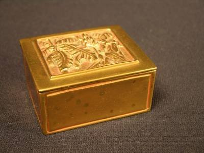 22: 22: TIFFANY STUDIOS TWO COMPARTMENT STAMP BOX