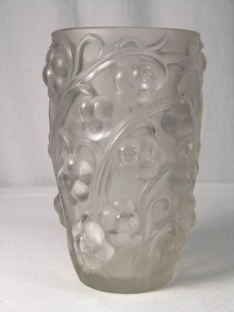 "279: R. LALIQUE ""RAISINS"" VASE IN CLEAR AND FROSTY GLAS"
