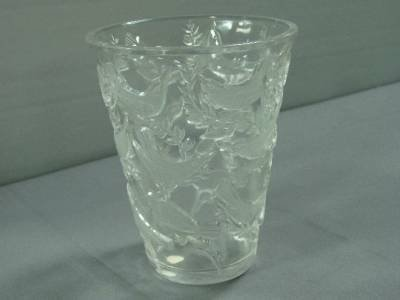 """280: R. LALIQUE """" GRIEVES """" VASE. IN CLEAR GLASS. H"""