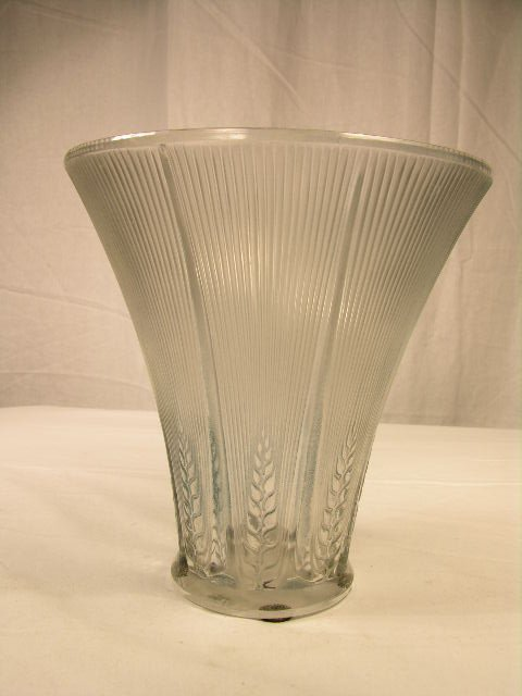 """281: R. LALIQUE """"EPIS"""" VASE DECORATED WITH EIGHT PANEL"""