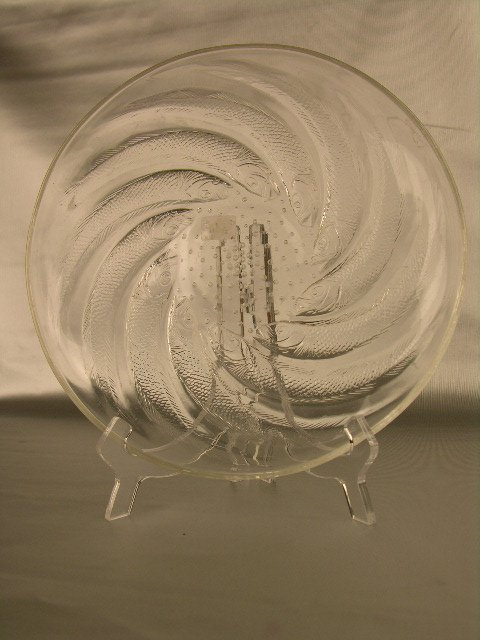 """284: R. LALIQUE """"ONDES"""" PLATE IN OPALESCENT GLASS. AC"""