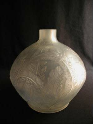 """286: R. LALIQUE """"PLUMES"""" VASE WITH LIGHT BLUE PATINA. H"""