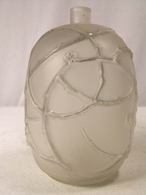 "291: R. LALIQUE VASE, ""EGLANTINES,"" CIRCA 1921 IN CLEAR"