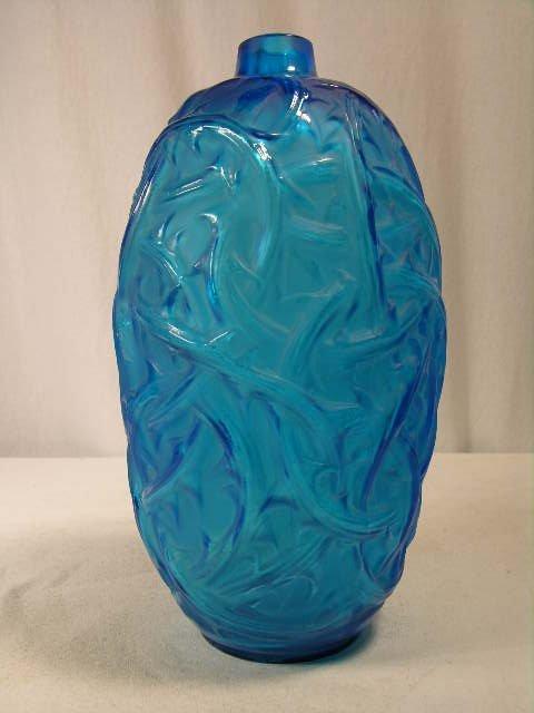 """501: R. LALIQUE """"RONCES"""" VASE IN ELECTRIC BLUE GLASS. R"""
