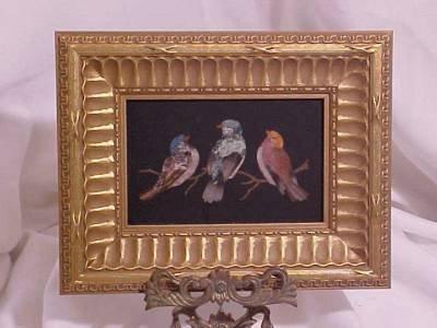 701: PIETRA DURA PLAQUE OF THREE BIRDS. FRAMED.  PLAQUE