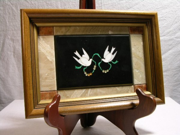704: PIETRA DURA OF 2 BIRDS WITH BEADS AND GREEN RIBBON