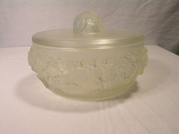 "931: R. LALIQUE ""PRIMEVERES"" COVERED BOWL."