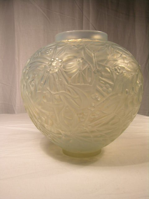 "939: R. LALIQUE ""GUI"" VASE. IN OPALESCENT GLASS. HEIG"
