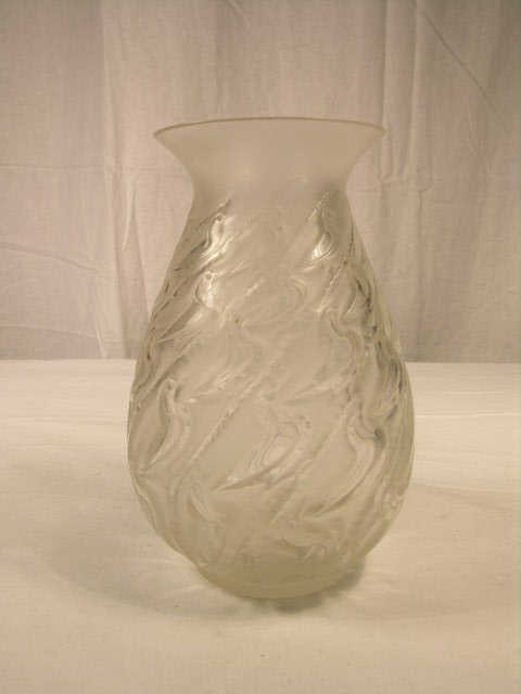 """2515: R. LALIQUE """" CANARDS """" VASE.  IN CLEAR GLASS. HEI"""