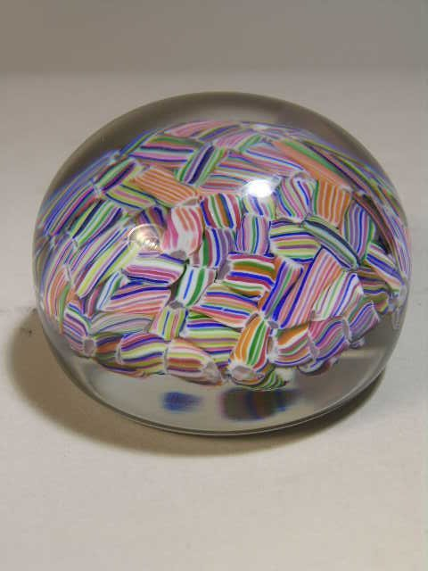 2756: BACARAT FRANCE  PAPERWEIGHT .