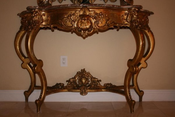 2758: LARGE GILT WOOD AND MARBLE CONSOLE TABLE.