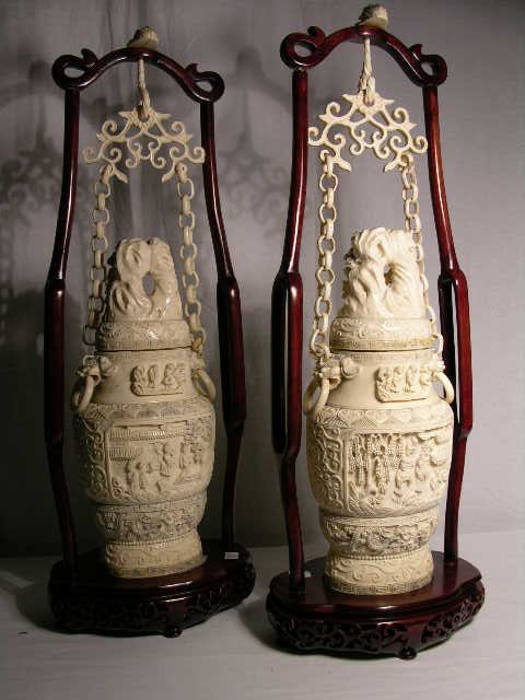 2767: ANTIQUE JAPANESE IVORY CARVING. A VERY FINE CARVE