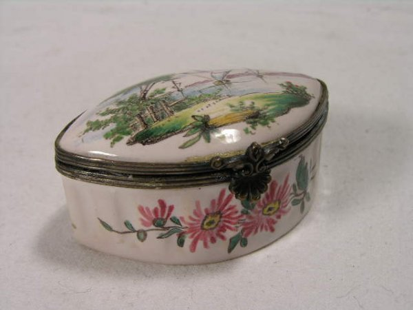 11: SNUFF BOX WITH A OCEAN AND SHIP AN A  WATER SCENE.