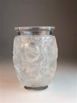 """Lalique """"Bagatelle"""" clear and frosty glass decorated"""