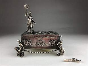 Mechanical singing 925 silver bird box. Lady with a