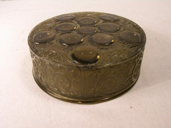 9: R. LALIQUE ROGER BOX, CIRCA 1926.