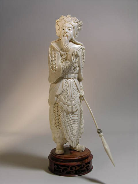 """158: IVORY CARVING OF A WARRIOR. OVERALL HEIGHT 11"""""""