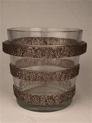 """R. Lalique """"Ricquewihr"""" ice bucket with the floral"""