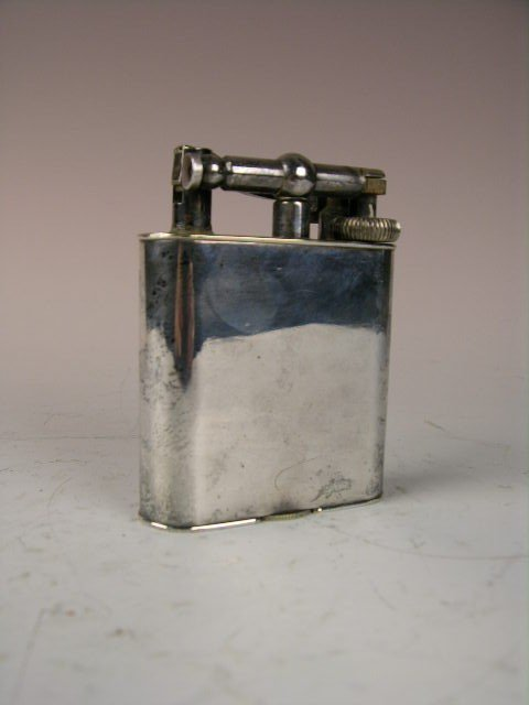"11: DUNHILL LIGHTER STAMPED ""DUNHILL MADE IN ENGLAND PA"