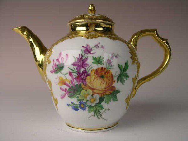 24: BERLIN KPM GOLD GILT TEA POT.