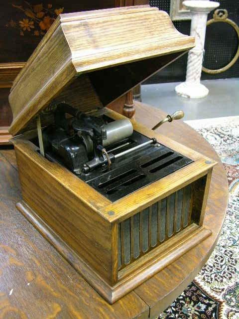 23: EDISON CYLINDER MUSIC BOX.  EDISON POLY-PHONE AUTOM
