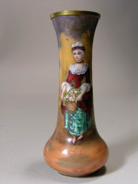 16: FRENCH MINATURE ENAMELLED VASE.