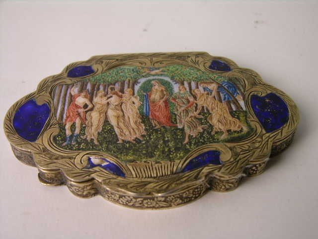 14: ANTIQUE STERLING SILVER ENAMELED COMPACT.