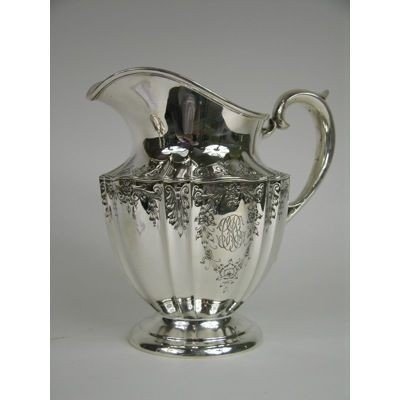 4: A VERY NICE AMERICA STERLING SILVER WATER PITCHER WI