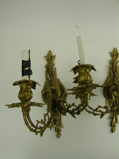 298: Pair of Louis XV style gilt bronze wall sconces - 3