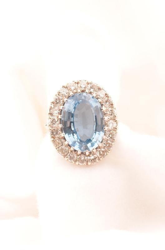 10: 14K White Gold Aquamarine and Diamond ring, approx: