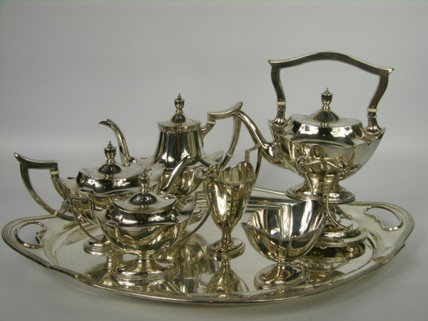 132: A very good Gorham sterling silver tea service wit