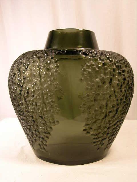 """22: Rene Lalique """"Poivre"""" vase in dark topaz glass,"""