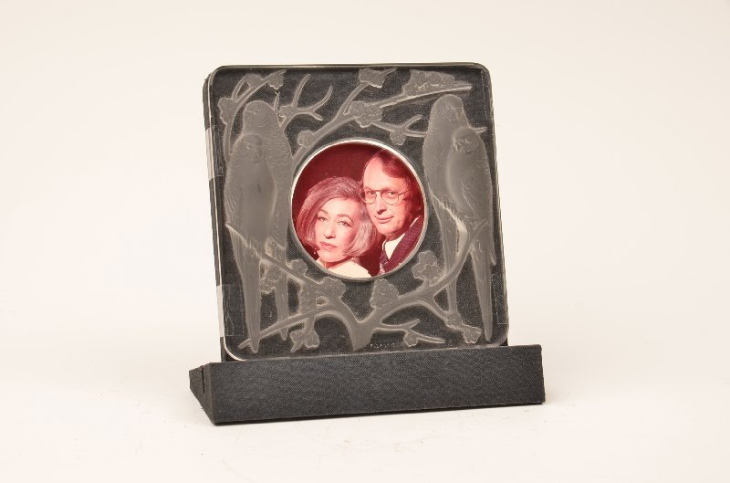 """R. Lalique """"Bergeronettes"""" picture frame in clear and f"""