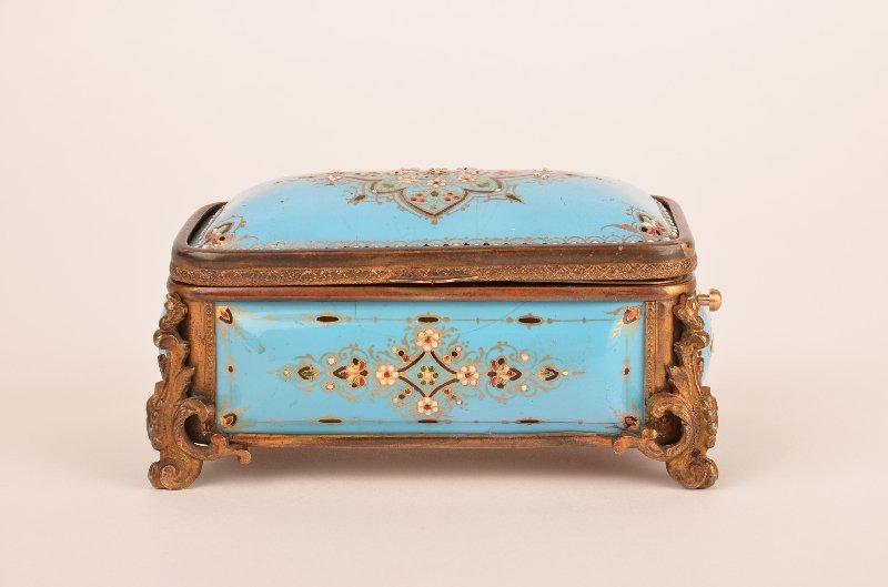 Enamelled singing bird box,