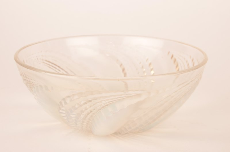 """Rene Lalique """"Fleurons"""" bowl in opalescent glass. First"""
