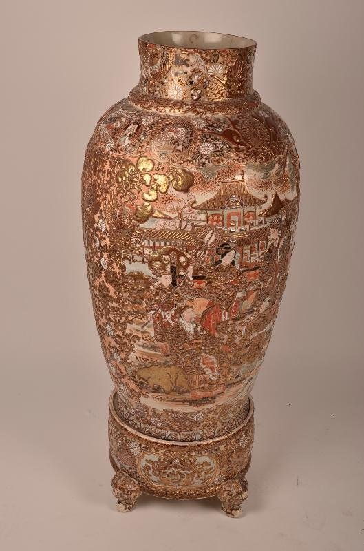 An antique and very rare large Satsuma monumental urn